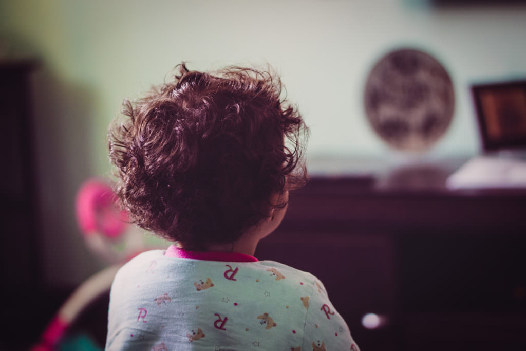 A #Candid_Shot of Amy #watching_TV #baby_daughter #sony #sonyalpha #bokeh #85mmf1.8